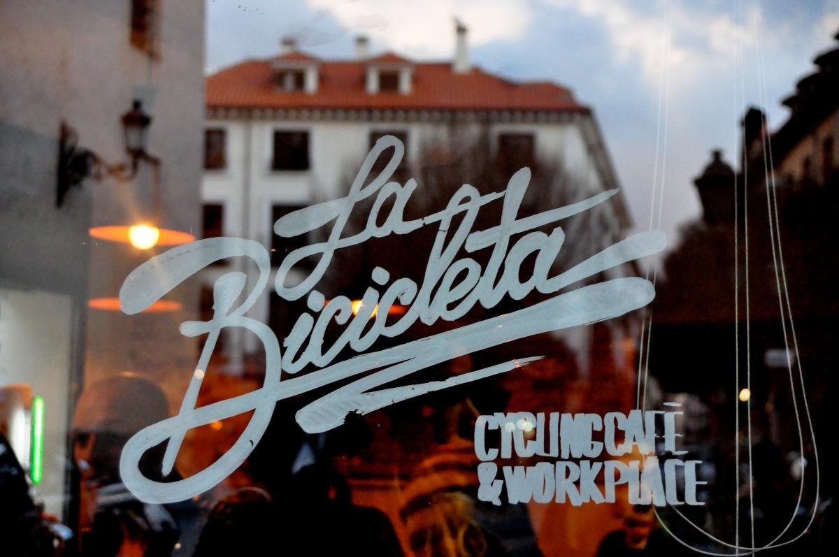 La movida Madrileña, hipster cafés & bikes