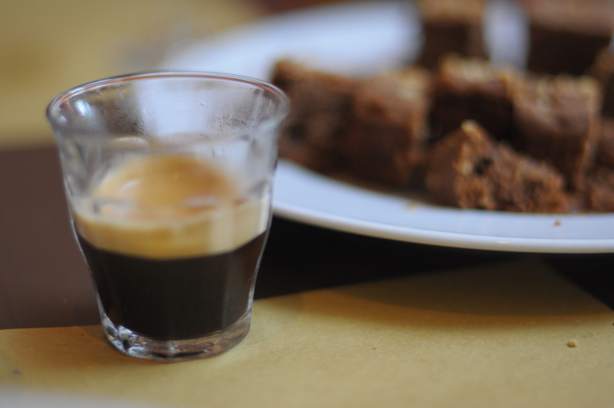 How to drink coffee (espresso) like an Italian
